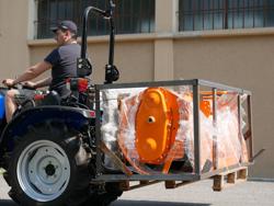 lève palettes 300kg pour attelage 3 points tracteur mod d 300