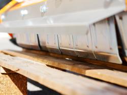 broyeur à marteaux fixe lynx 140 pour prairie ronces et sarments