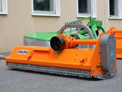 broyeur réversible déportable puma 140 rev pour tracteur fruitier