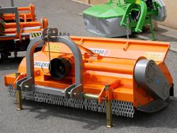 broyeur déportable à marteaux tigre 160 pour sarments de vigne