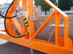 godet pour tracteur 2 mètres avec vérin hydraulique pour tracteur mod pri 200 h