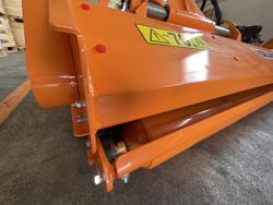 broyeur à marteaux pour tracteur fruitier mod jaguar 170