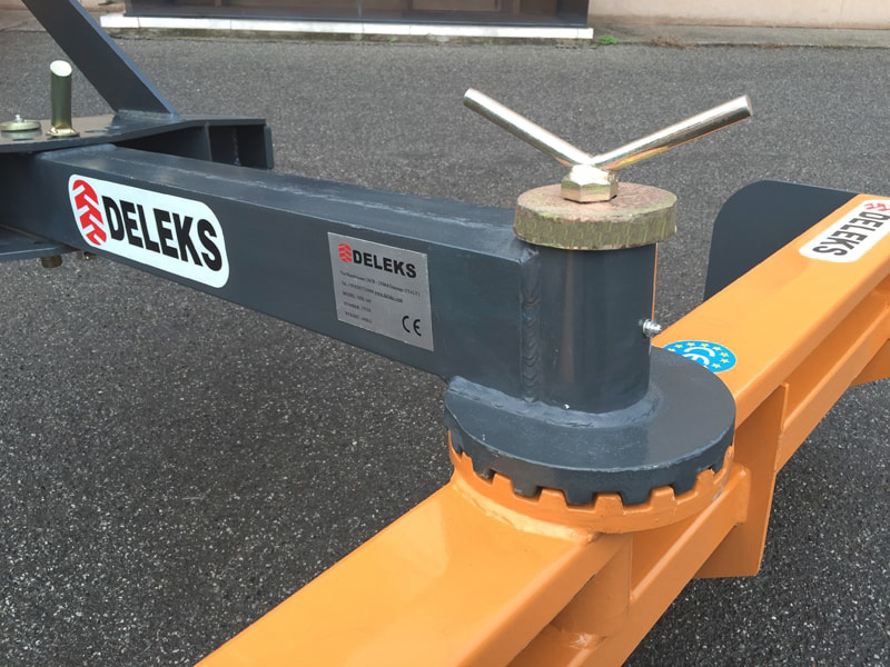 lame-niveleuse-déportable-160cm-pour-attelage-3-points-tracteur-mod-ddl-160