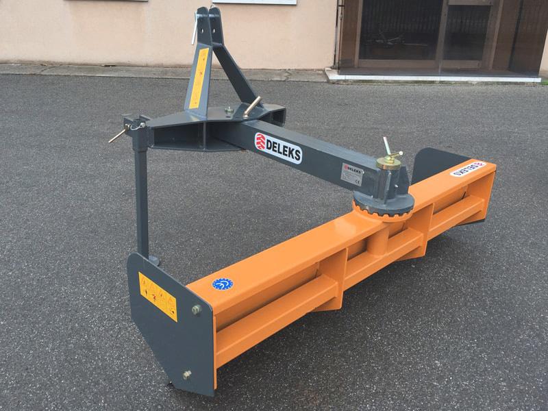 lame-niveleuse-déportable-robuste-pour-tracteur-largeur-170cm-mod-ddl-175