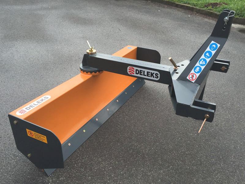 lame-niveleuse-série-lourde-250cm-orientable-et-déportable-mod-ddl-250