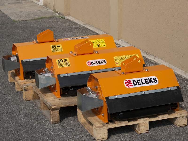 broyeur-hydraulique-pour-mini-pelle-de-100cm-modèle-ar-100