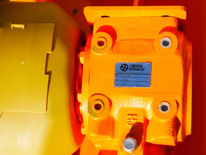 broyeur-pour-tracteur-lynx-165-pour-herbe-et-sarments