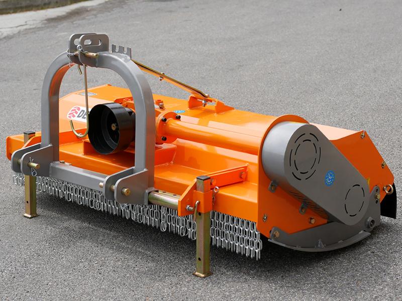 broyeur-déportable-à-marteaux-tigre-160-pour-sarments-de-vigne