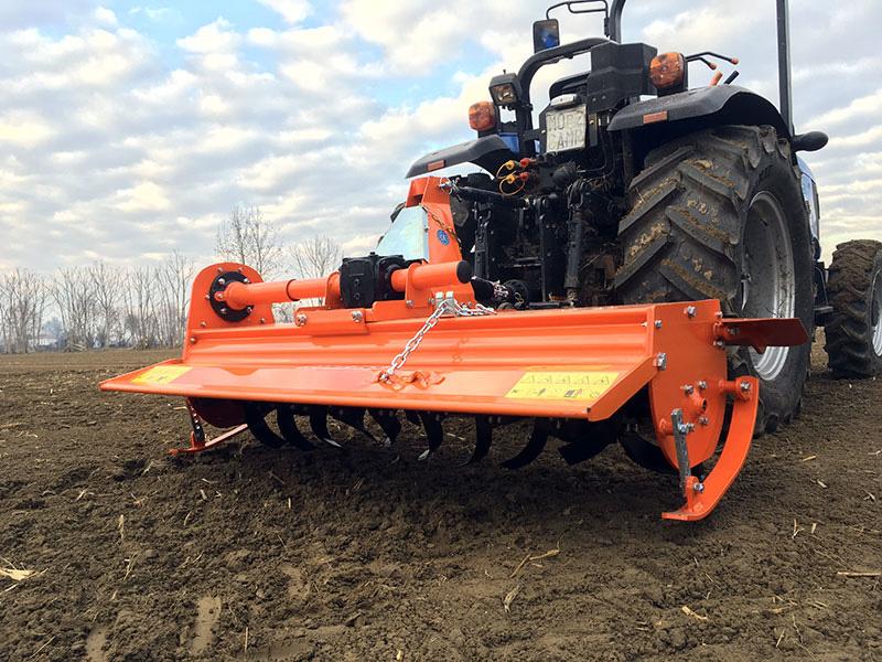 rotovator-pour-tracteur-série-moyenne-150cm-de-travail-déport-manuel-mod-dfm-150