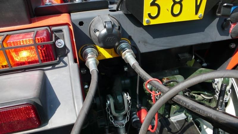 godet-bennette-renforcée-de-160cm-pour-attelage-3-points-tracteur-mod-pri-160-h