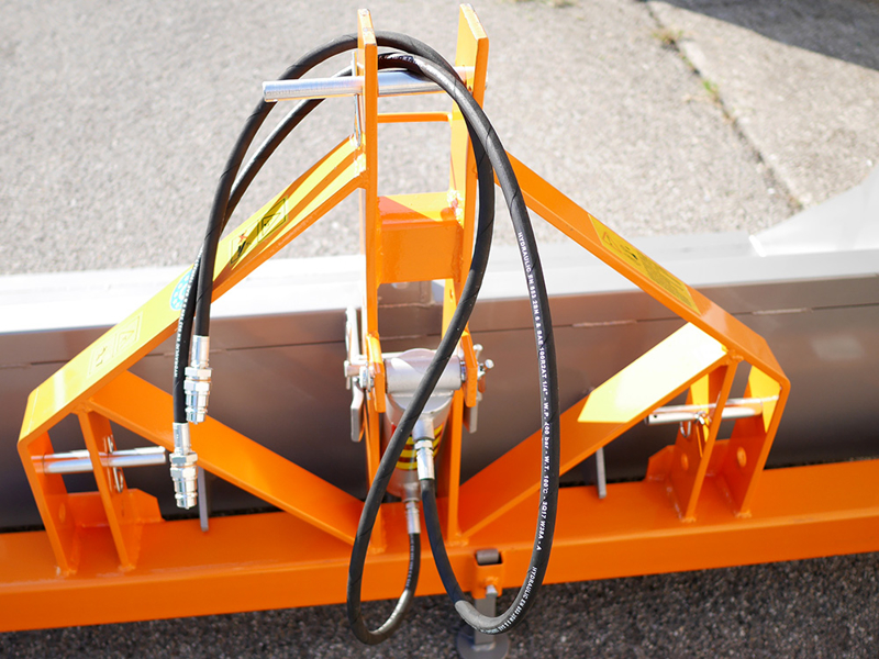 godet-de-180cm-hydraulique-pour-tracteur-avec-attelage-3-points-standart-mod-pri-180-h