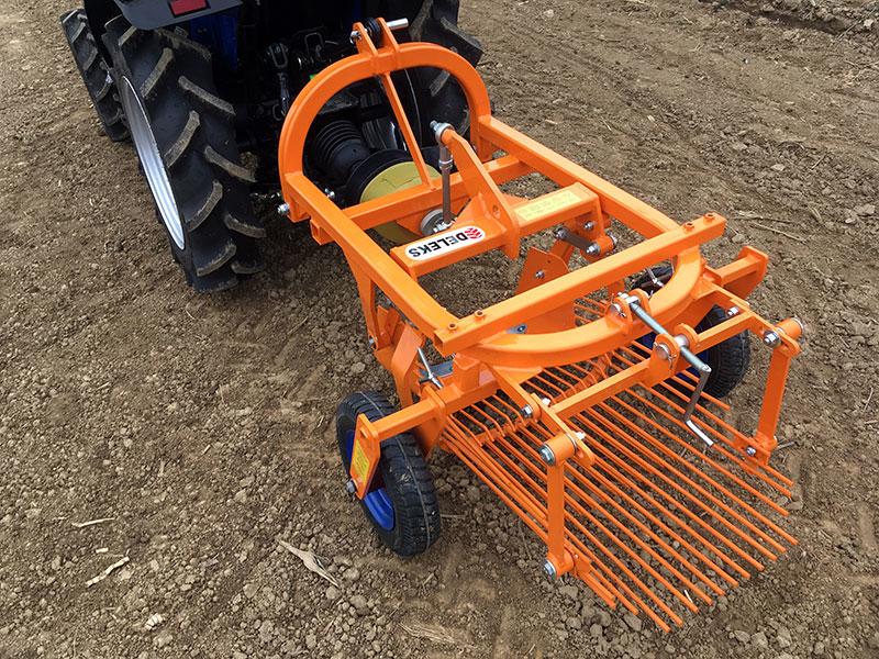 arracheuse-de-pommes-de-terre-pour-tracteur-modèle-dpt-120
