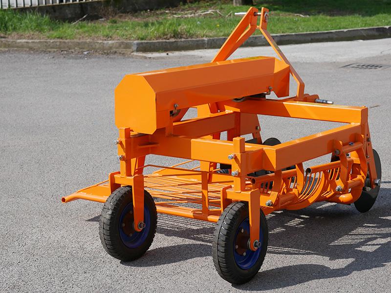 arracheuse-de-pommes-de-terre-pour-tracteur-modèle-dpt-150