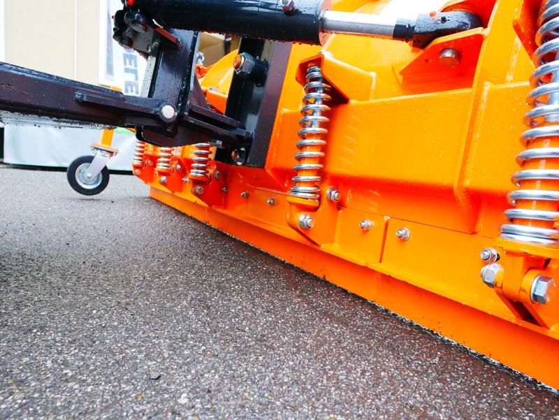 lame-à-neige-lourde-frontale-pour-tracteurs-ssh-04-3-0-a