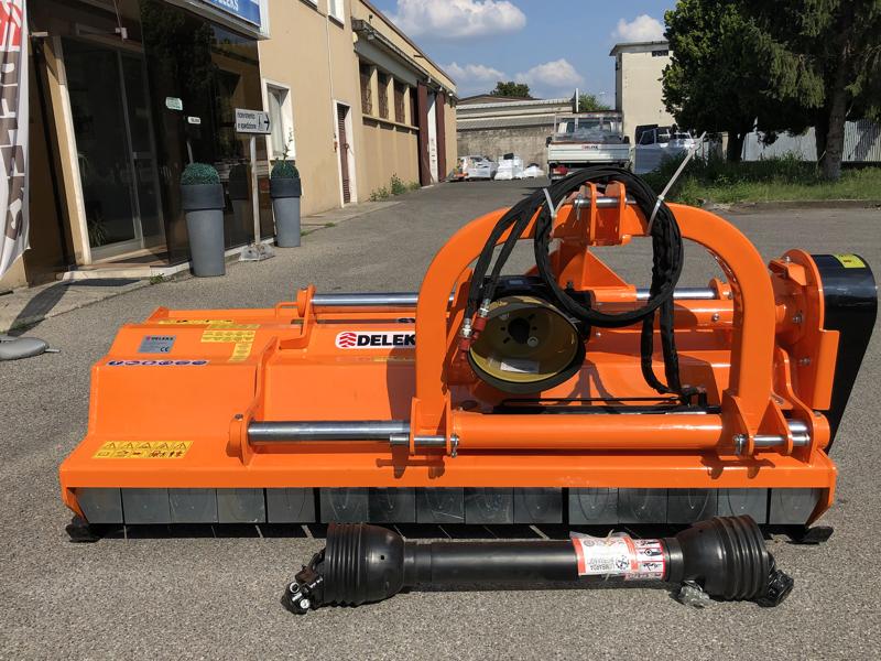 broyeur-à-marteaux-déportable-lourd-pour-tracteur-mod-toro-190