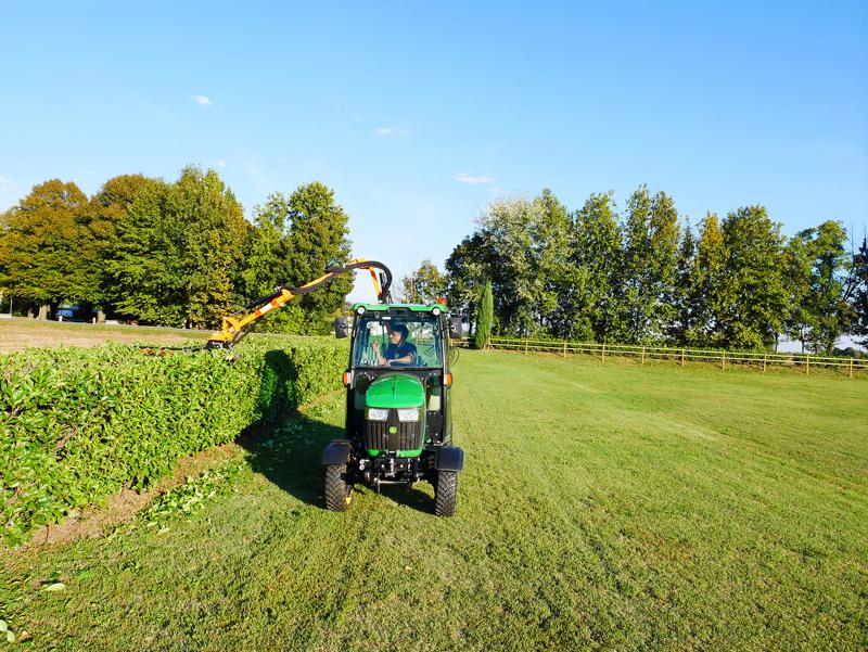 taille-haie-hydraulique-porté-pour-tracteur-modèle-falco-160